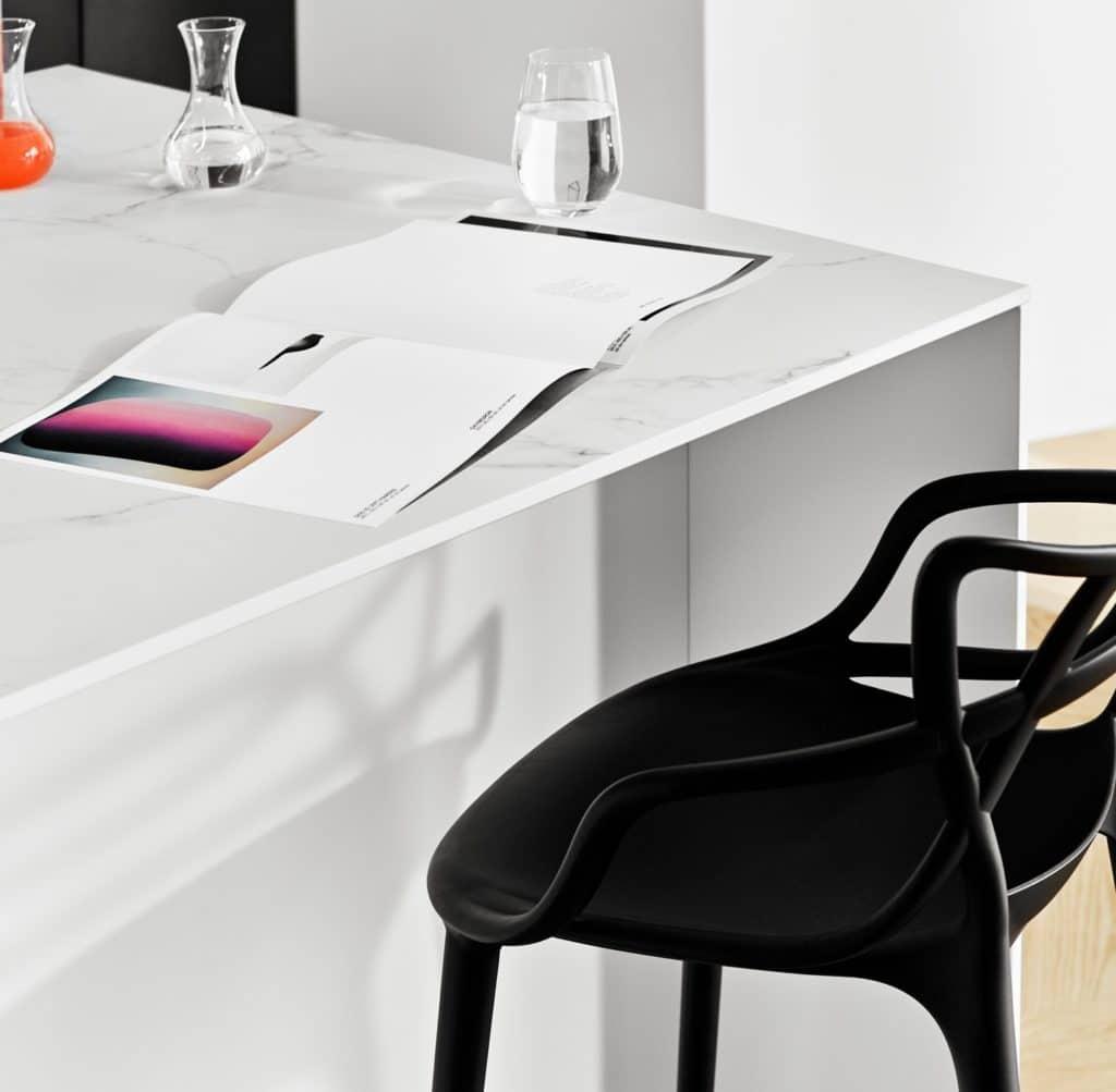 So filigran wie Glas, so robust wie Naturstein: Keramik setzt den Anforderungen des Küchenalltags eine robuste Oberfläche entgegen - und viel Eleganz. (Foto: selektionD)