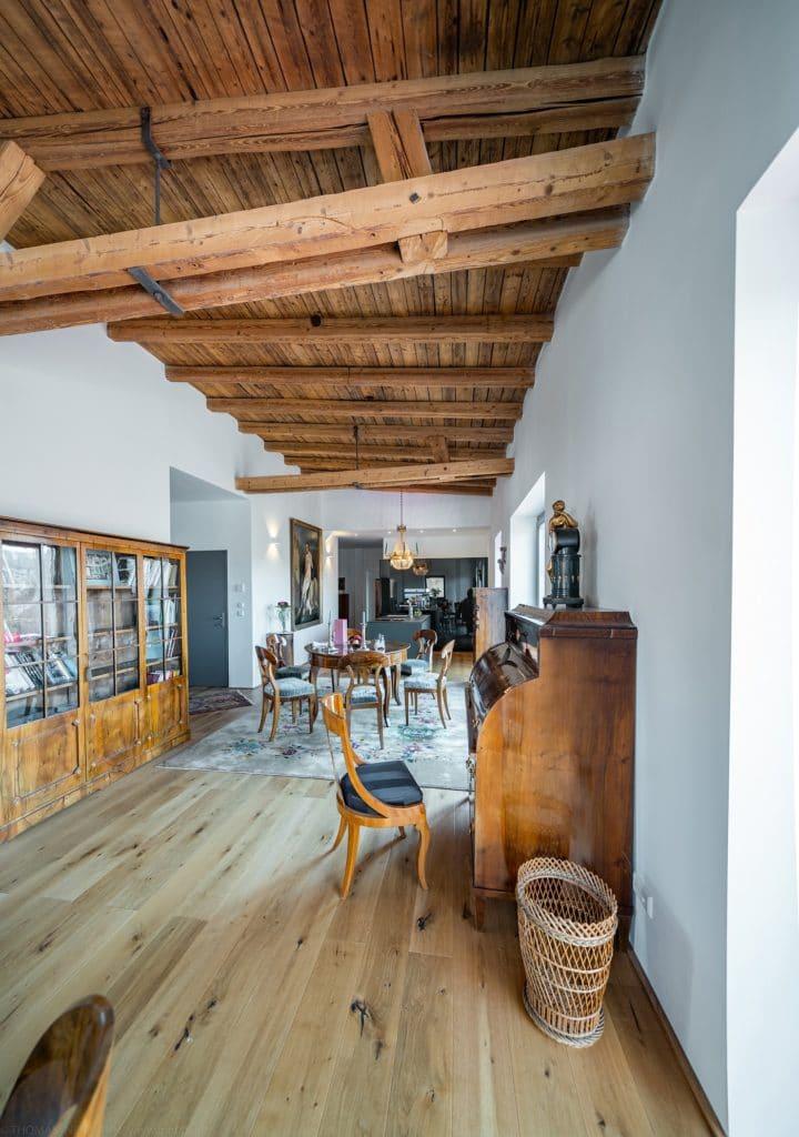 Hochmoderne Küche in historischem Ambiente: die gesamte Home Story erwartet Leser im Küchen&Design Magazin PRINT, das Anfang Mai erscheint. (Foto: Thomas Neumann)