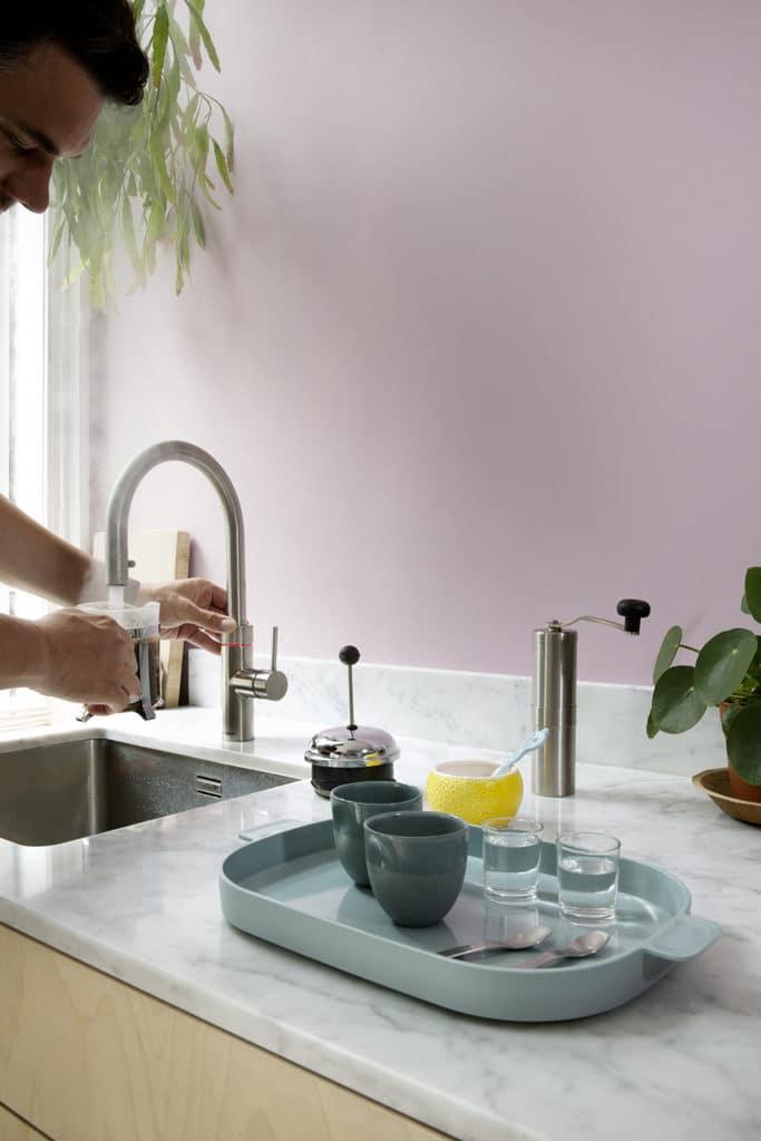 Ein Filterkaffee, ein Tässchen Tee, ein Mineralwasser? Mit dem Quooker in Sekunden serviert. So bleibt mehr Zeit fürs Leben. (Foto: Quooker)