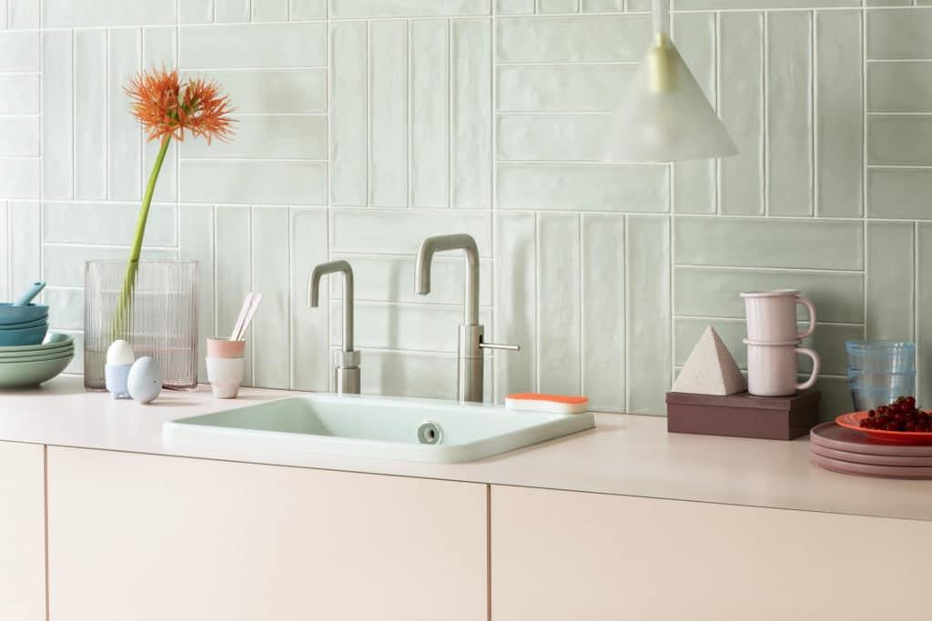 """Die """"Nordic twin taps"""" bestehen aus einer normalen Mischbatterie-Armatur und einem Kochendwasserhahn. Damit lassen sich die Funktionen parallel nutzen. (Foto: Quooker)"""