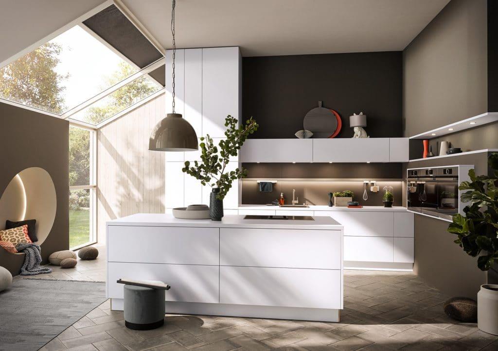 Ein Großteil der Küchen wird noch immer in Weiß gewählt. Die dazugehörigen Wände auch. Dabei wäre ein bisschen Abwechslung dazu doch nicht schlecht, oder? (Foto: selektionD)