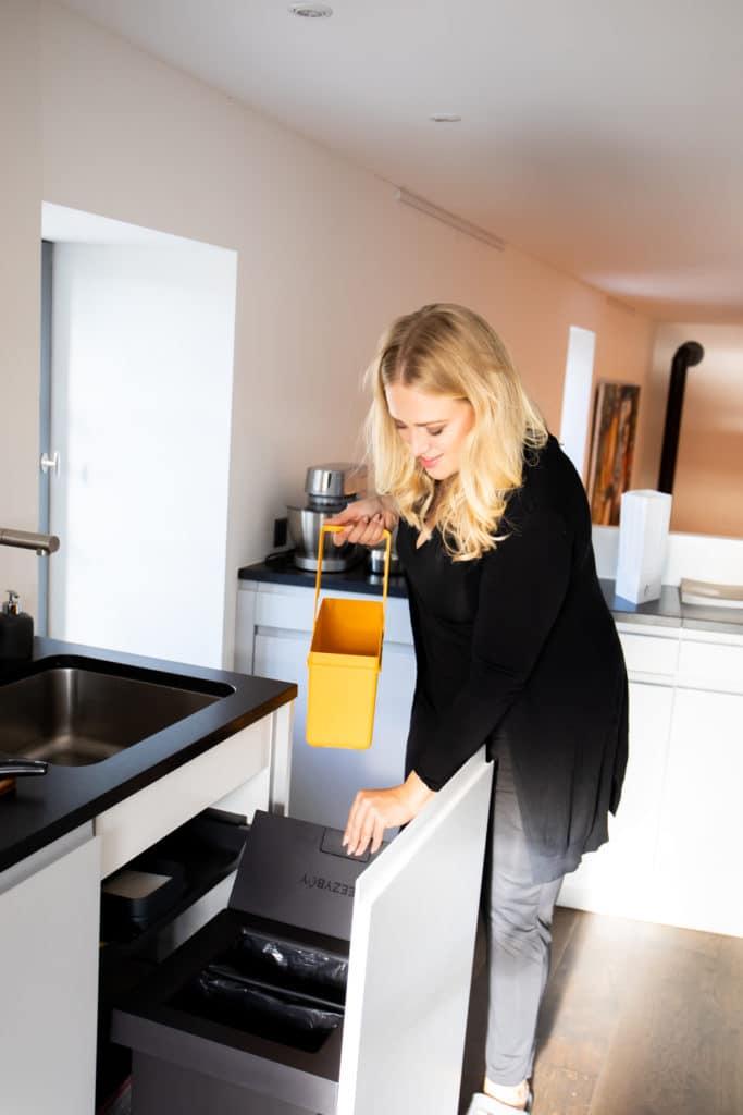 Mülltrennung praktizieren die meisten Haushalte - aber beim Biomüll stinkt's den meisten gewaltig. Dabei kann selbst das komfortabel vonstatten gehen. (Foto: FreezyBoy)
