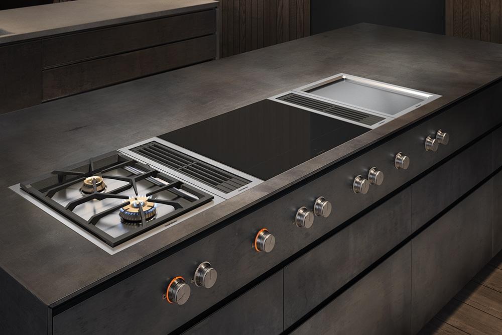 """Bereits vor rund 50 Jahren hatte Gaggenau """"den richtigen Riecher"""", was den Kochfeldabzug nach unten betraf. Nun zeugen die Geräte von höchster Effizienz und Luxus. (Foto: Gaggenau)"""