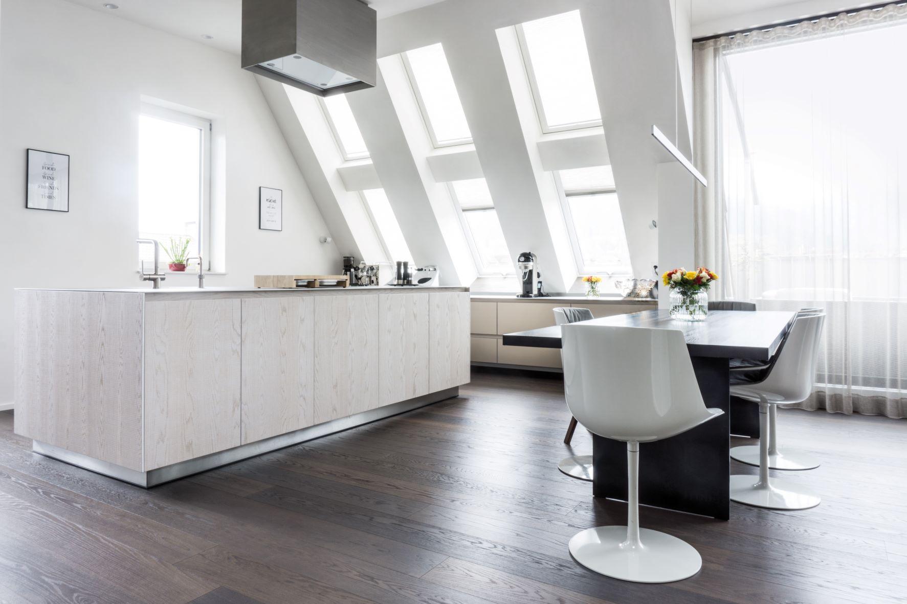Aufregendes Loft, beeindruckende Küchenplanung: in unserer Fotogalerie zur Penthouse-Küche gilt es, solche planerischen Perlen zu entdecken. (Foto: Die Küche Marc Boehlkau, Freiburg, Foto: Andreas Schaps)