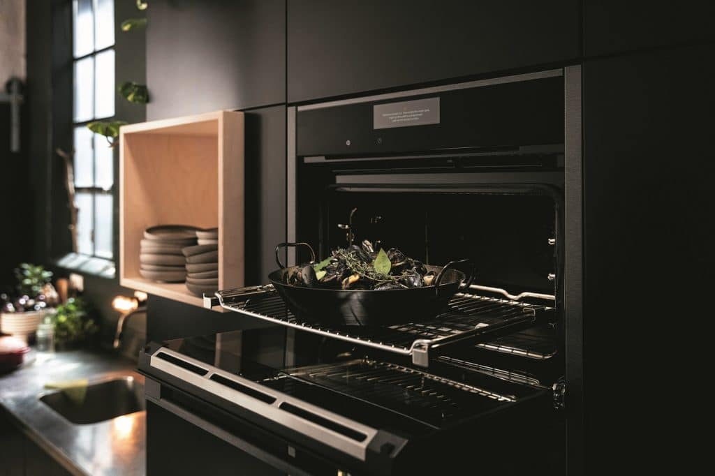Design, Nachhaltigkeit, Digitalisierung - und stets ein Auge für Genuss: die BSH ist für das Küchenjahr 2022 exzellent aufgestellt. (Foto: Neff)