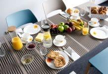 iLAIK: der ausziehbare Tisch ist ein perfekter Begleiter für die multifunktionale Küche. (Foto: LAIK)