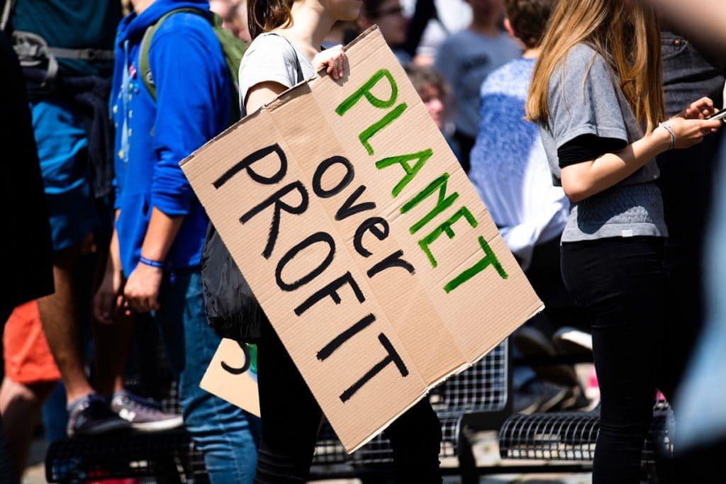 Die zukünftige Käufergeneration verlangt nach nachhaltigen Lösungen. Die Frage bleibt: will sie das auch bezahlen? (Foto: stock/ Markus Spiske)